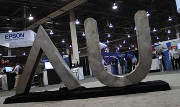 AUTODESK INC: Right Tools for Auto Industry
