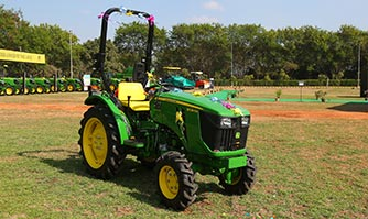 JOHN DEERE 3028EN TRACTOR | LAUNCH AND DRIVE | Motown India, Tractor Launch