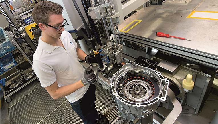 ZF's enhanced 8-speed automatic transmission will start production at its Saarbrücken plant in 2022. ZF has received a double digit billion order from BMW AG for this product.