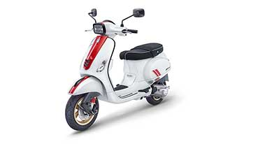 Piaggio India launches sporty, special edition Vespa Racing Sixties