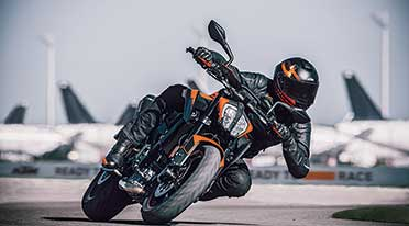 The new  KTM 890 Duke sharpens The Scalpel, redefines riding