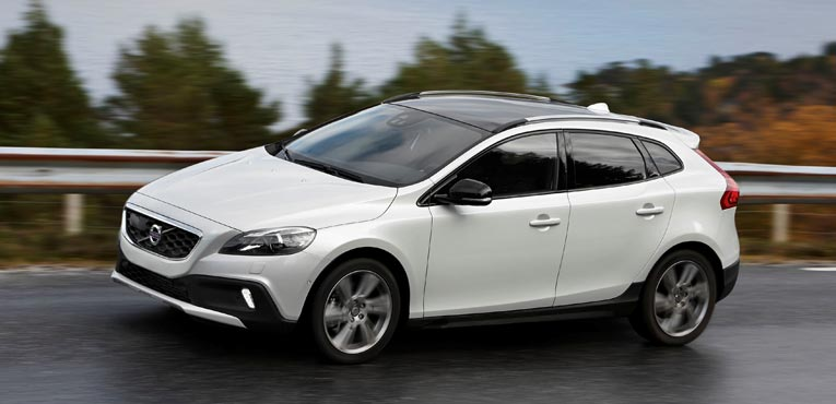 Volvo Cars introduces V40 Cross Country petrol for Rs 27 lakh