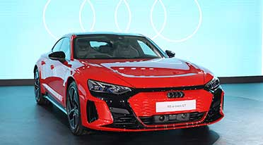 Audi launches new Audi e-tron GT, RS e-tron GT supercars at Rs 1.80 crore onward