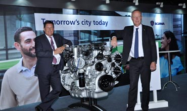 Scania displays Ethanol engine at Busworld 2015