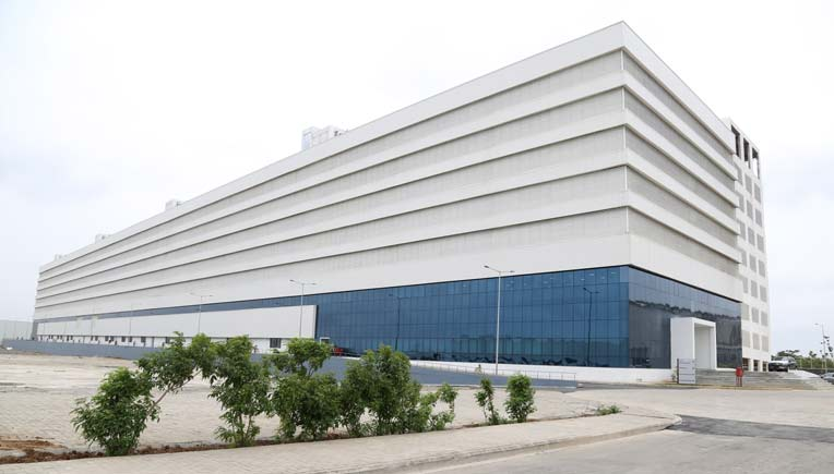 Mercedes benz inaugurates india s largest parts warehouse for Mercedes benz parts warehouse