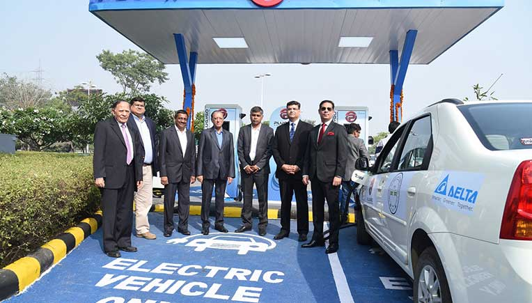 Electric vehicles start-up EV Motors India has joined hands with DLF, Delta Electronics India and ABB India to launch of its first public EV charging outlet 'PlugNgo'.