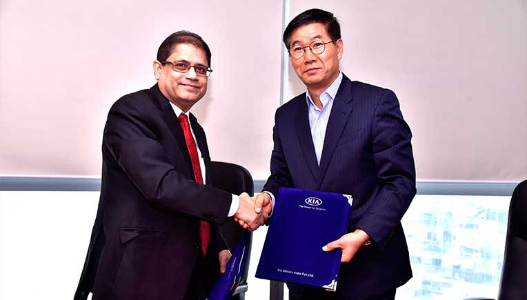 The MoU was signed in the presence of Pralay Mondal, Senior Group President and Head, Retail and Business Banking, Yes Bank and Kookhyun Shim, MD & CEO, Kia Motors India.