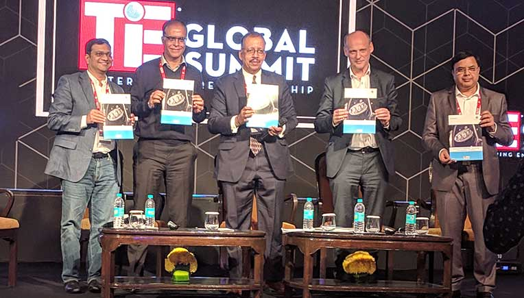 Rajeev Chaba, President & MD, MG Motor India (2nd from left), Juergen Hase, CEO, UNLIMIT (2nd from right) & Alok Srivastava, Regional MD, SEA, Cisco (IoT)