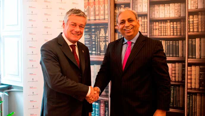 From R to L: CP Gurnani, CEO & Managing Director, Tech Mahindra and Paolo Pininfarina, Chairman Pininfarina S.p.A shake hands to announce the joint agreement