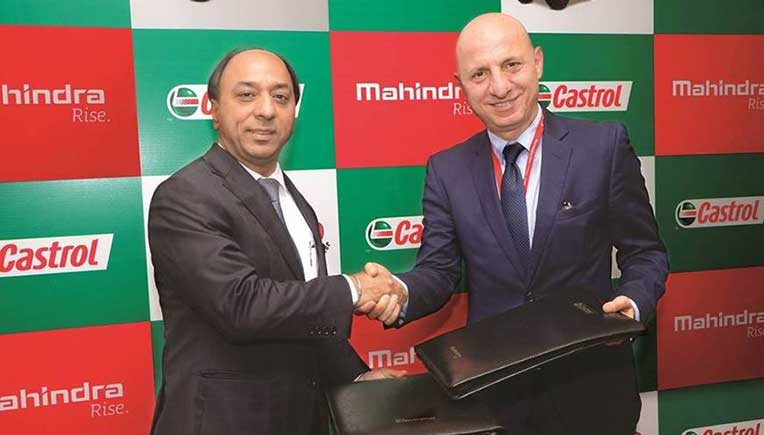 Signing of the deal between Mahindra and Castrol