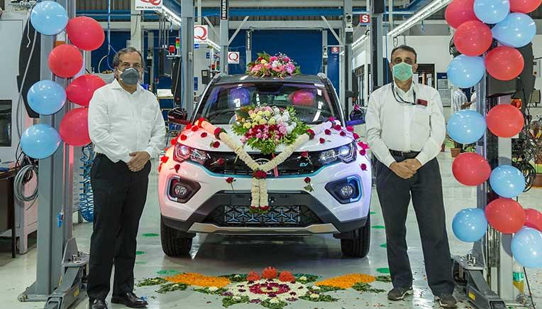 L to R - Anand Kulkarni, Product Line Director - EV & ALFA Architecture - PVBU, Tata Motors and Jayadeep Desai, Plant Head _ PVBU, Tata Motors Pune