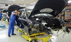 0 pc attrition among Mercedes-Benz India workers.