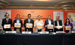 Experts debate on innovation and auto growth