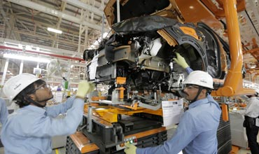 Ford sets the ball rolling in Sanand with new plant inauguration