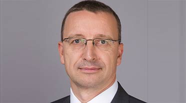 Martin Schwenk to replace Folger as new MD & CEO, Mercedes-Benz India