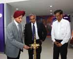 Onkar Kanwar inaugurates 1st Apollo CV Zone