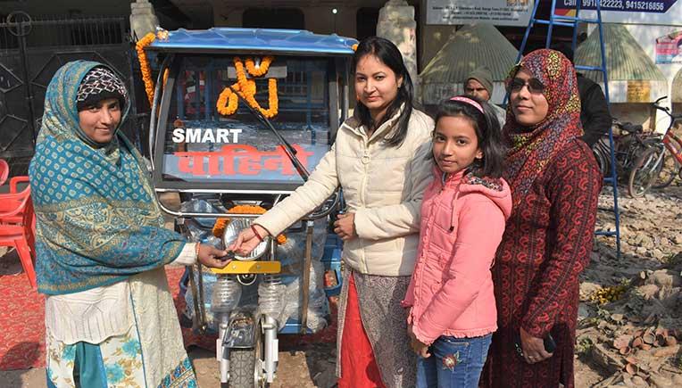 SMV Green Solutions felicitates women e-rickshaw drivers