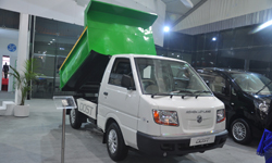 Ashok Leyland displays full range of next-gen CVs