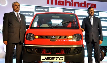 Mahindra new mini-truck Jeeto for Rs 2.32 lakh