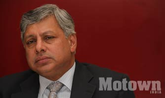 Ravindra Pisharody Executive Director of Tata Motors quits