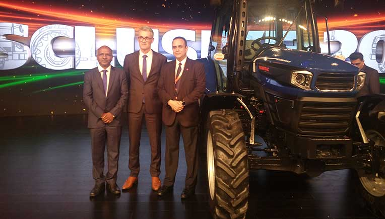 P Kaniappan, President and Managing Director, Wabco India & Hubert Flahaux, Wabco Vice President, Off Highway Business Unit with Nikhil Nanda, Chairman & Managing Director, Escorts Limited