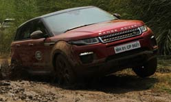 Land Rover off-road drive experience enthrals customers