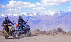 Okinawa becomes the first electric 2 wheeler brand to reach Khardung La Pass