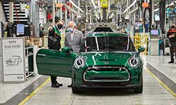 Prince of Wales celebrates 20 years of MINI production at Plant Oxford
