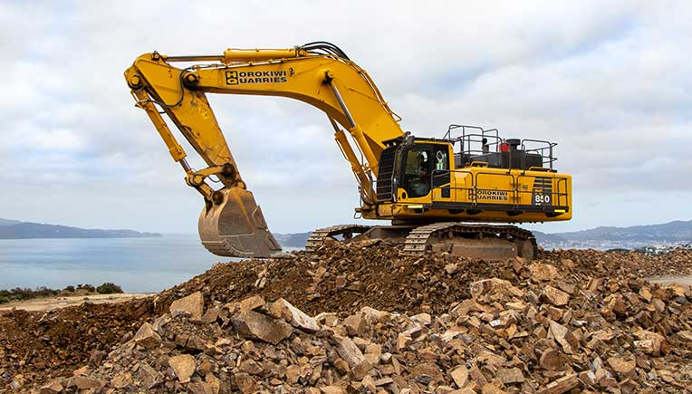 A tale of two Komatsu PC850-8EO Super Excavators and two quarries