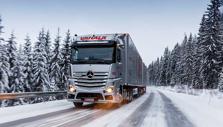 Through hail, rain or snow with the new Mercedes Actros in Finland