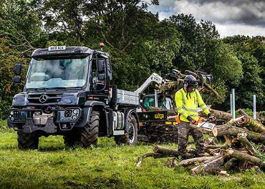 Mercedes-Benz Unimog U 430 used for vegetation management