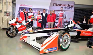 Mahindra shows its racing prowess at Buddh International Circuit