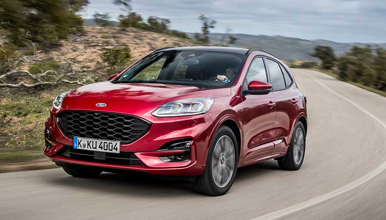 The Ford Kuga is equipped with a highly integrated bolster which is manufactured in hybrid technology from steel panels and the easy-flowing, fiberglass-reinforced polyamide 6 Durethan BKV30H2.0EF