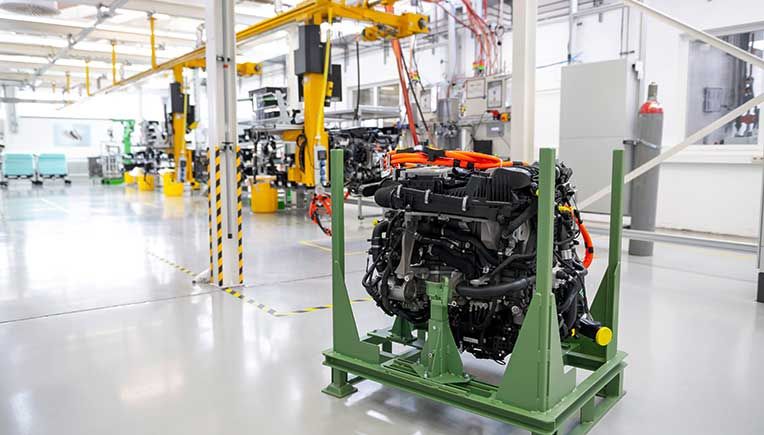 Lab1886, the innovation unit of Mercedes-Benz within Mercedes-Benz AG, are supporting Rolls-Royce Power Systems in a pilot project for stationary fuel cell systems.