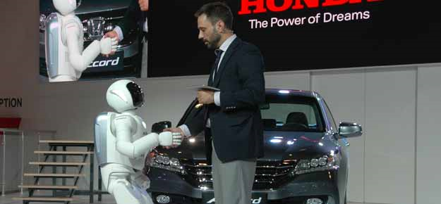 Honda's all-new Asimo travels to Russia's MIAS'14
